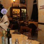 L'Angoletto-tavoli-con-sedie