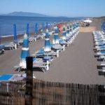 La_Pineta_Blu _Dog_Beach_ombrelloni